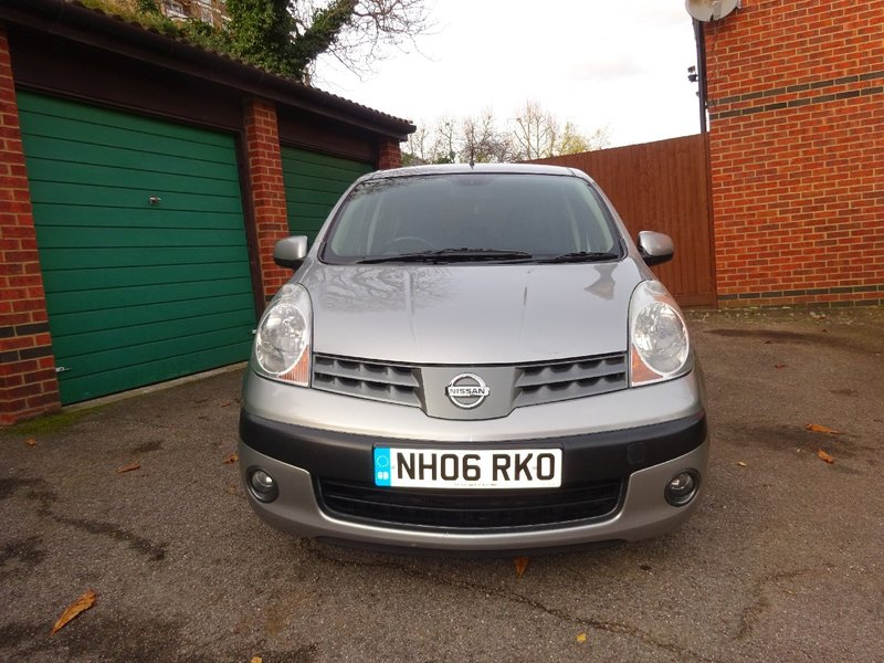 View NISSAN NOTE 1.6 SVE Manual